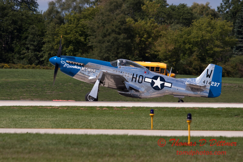 926 - Vlado Lenoch and his P-51 returns to earth at Wings over Waukegan 2012