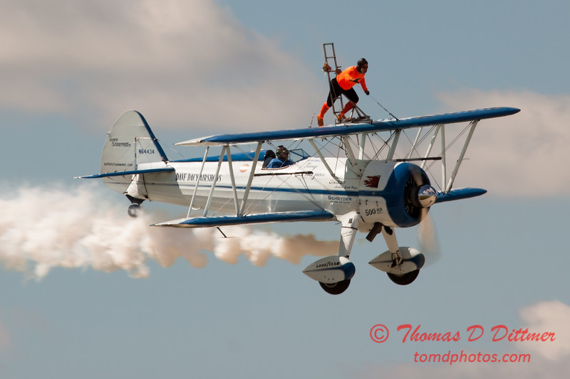 1012 - Wingwalker Tony Kazian and Dave Dacy perform at Wings over Waukegan 2012