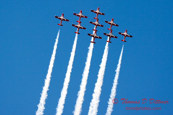1745 - The RCAF Snowbirds performance at Wings over Waukegan 2012