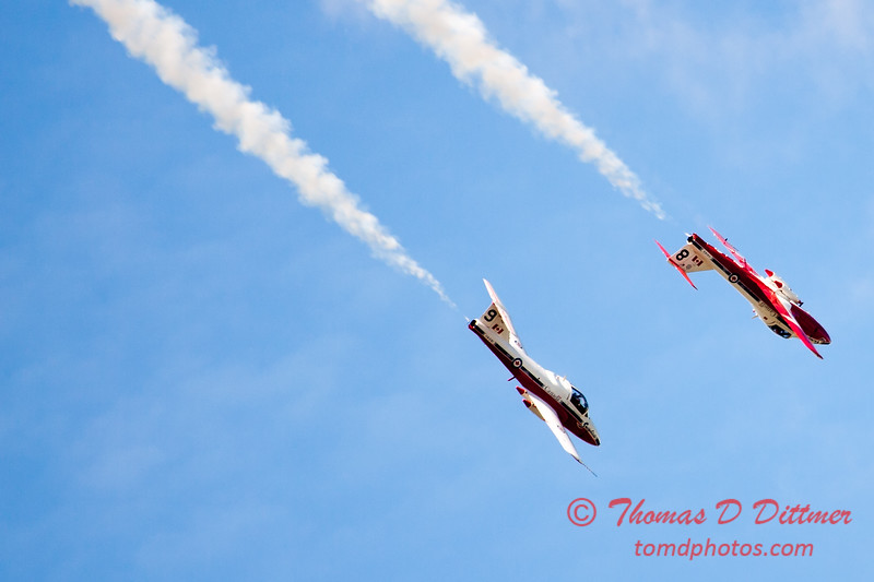 1679 - The RCAF Snowbirds performance at Wings over Waukegan 2012