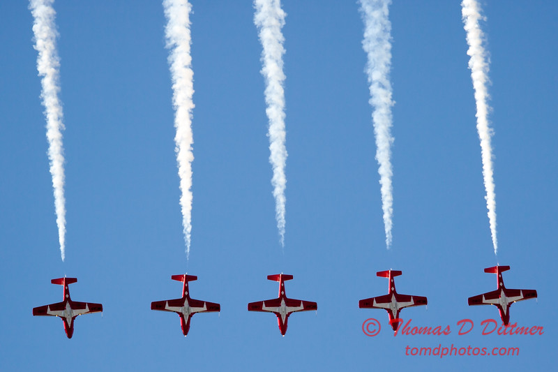 1471 - The RCAF Snowbirds performance at Wings over Waukegan 2012