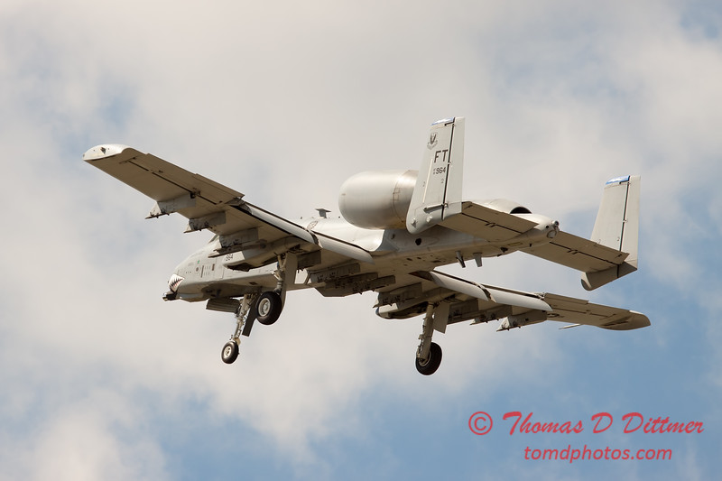 725 - A-10 East performs at Wings over Waukegan 2012