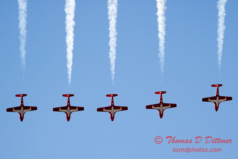 1472 - The RCAF Snowbirds performance at Wings over Waukegan 2012