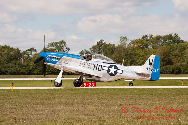 623 - Vlado Lenoch in his P-51 Mustang taxies for departure at Wings over Waukegan 2012