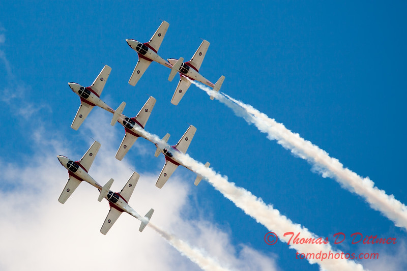 1542 - The RCAF Snowbirds performance at Wings over Waukegan 2012