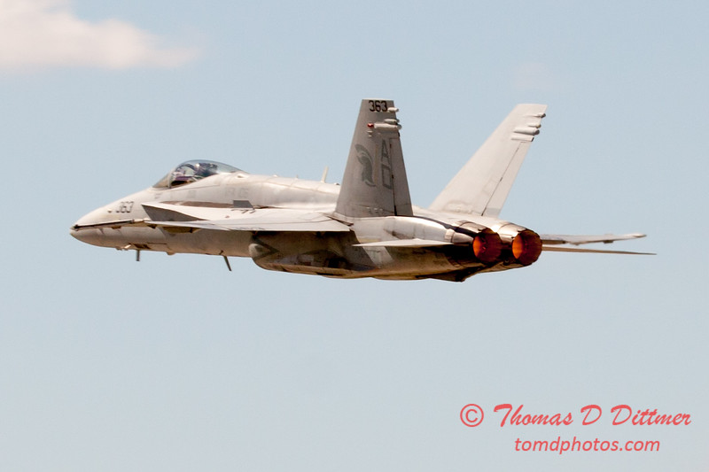 1112 - VFA 106 Hornet East F/A-18 performing at Wings over Waukegan 2012