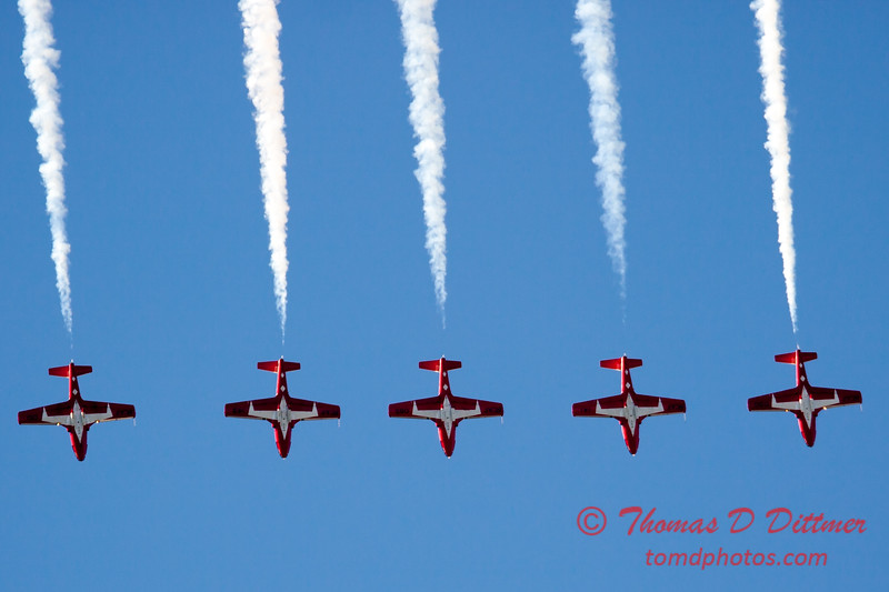 1468 - The RCAF Snowbirds performance at Wings over Waukegan 2012