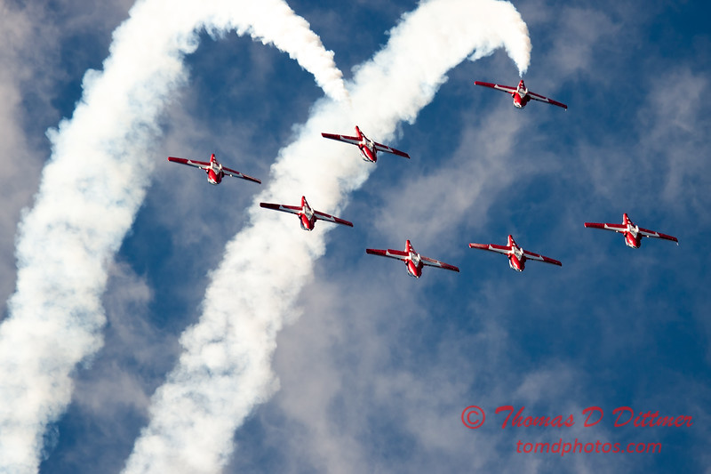 1650 - The RCAF Snowbirds performance at Wings over Waukegan 2012