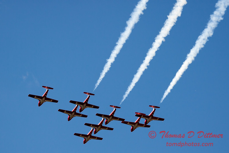 1426 - The RCAF Snowbirds performance at Wings over Waukegan 2012