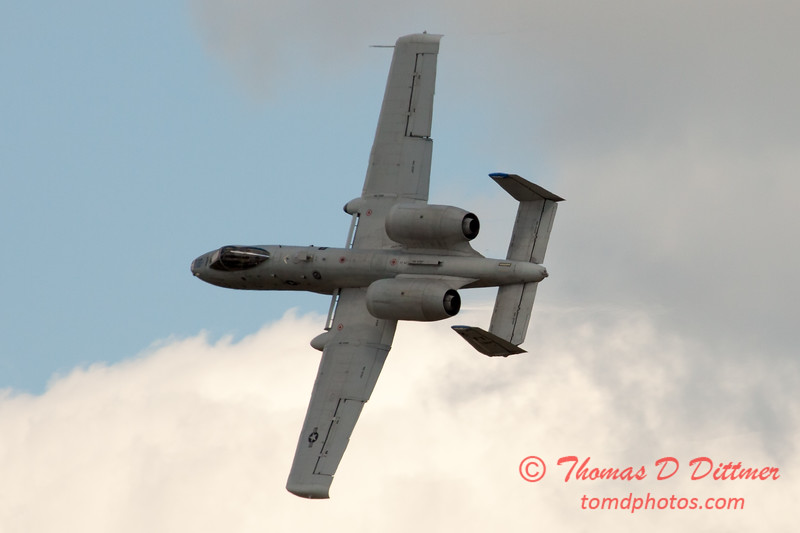 745 - A-10 East performs at Wings over Waukegan 2012