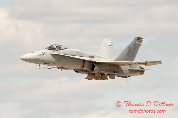 1102 - VFA 106 Hornet East F/A-18 performing at Wings over Waukegan 2012