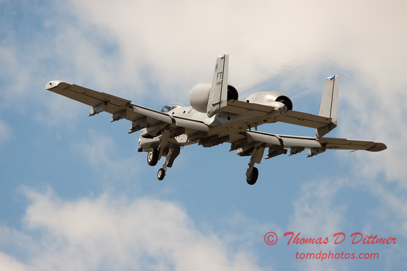 726 - A-10 East performs at Wings over Waukegan 2012