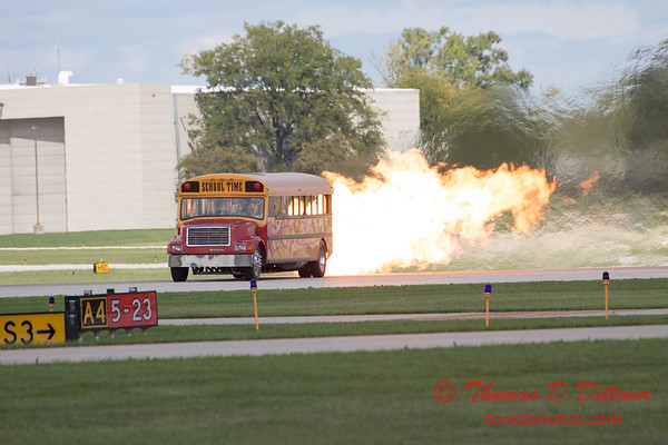 872 - Paul Stender and the Indy Boys School bus ignites the crowd at Wings over Waukegan 2012