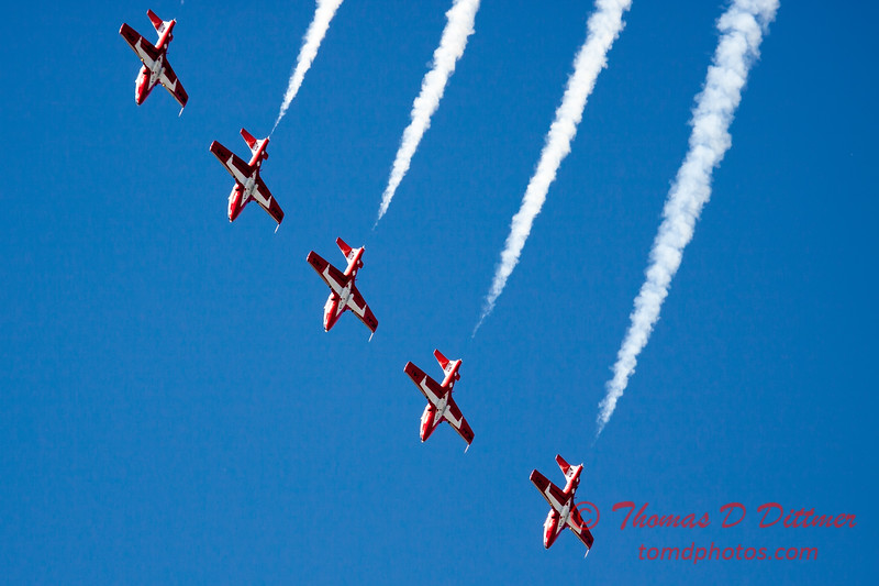 1457 - The RCAF Snowbirds performance at Wings over Waukegan 2012