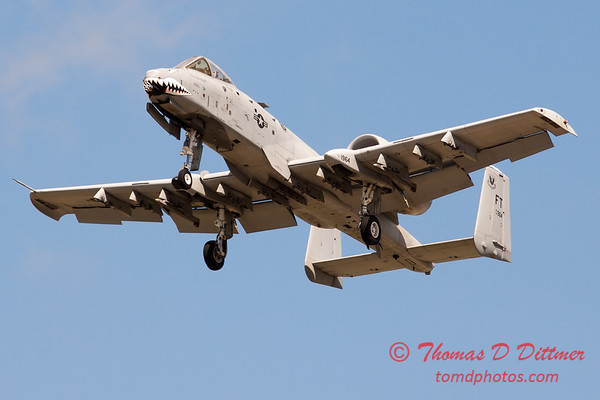 715 - A-10 East performs at Wings over Waukegan 2012