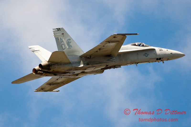 1254 - VFA 106 Hornet East F/A-18 performing at Wings over Waukegan 2012