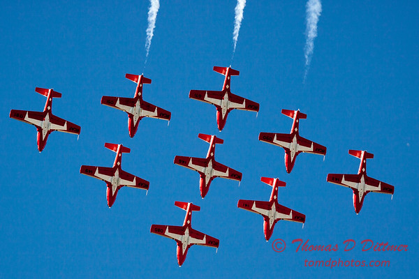 1358 - The RCAF Snowbirds performance at Wings over Waukegan 2012