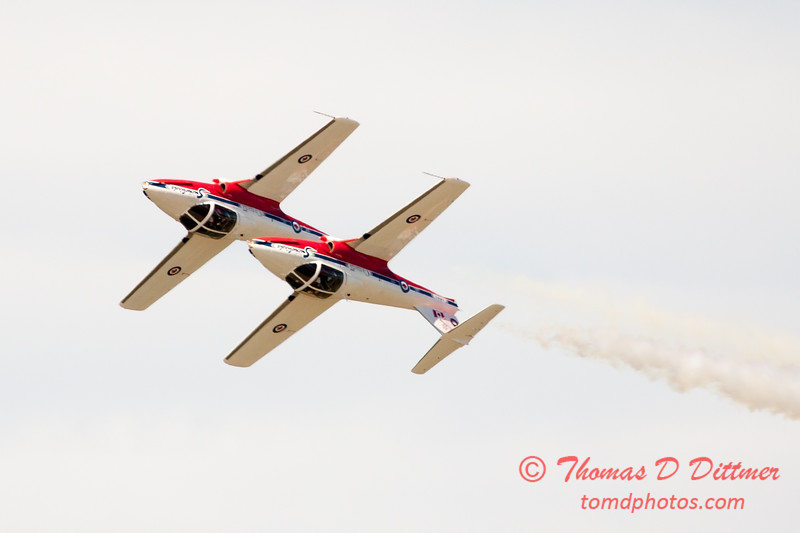 1563 - The RCAF Snowbirds performance at Wings over Waukegan 2012