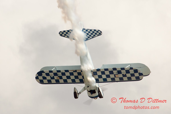 146 - Dave Dacy in his Boeing PT-17 Stearman perform at Wings over Waukegan 2012