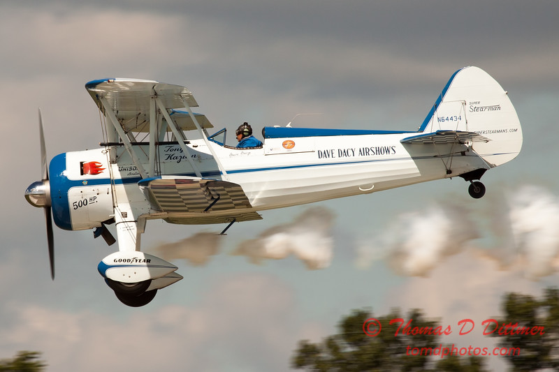 158 - Dave Dacy and his Boeing PT-17 Stearman perform at Wings over Waukegan 2012