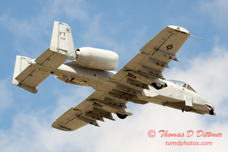 824 - A-10 East flies by Wings over Waukegan 2012