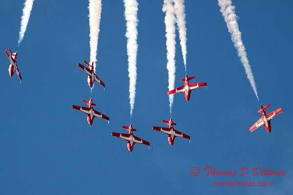 1607 - The RCAF Snowbirds performance at Wings over Waukegan 2012