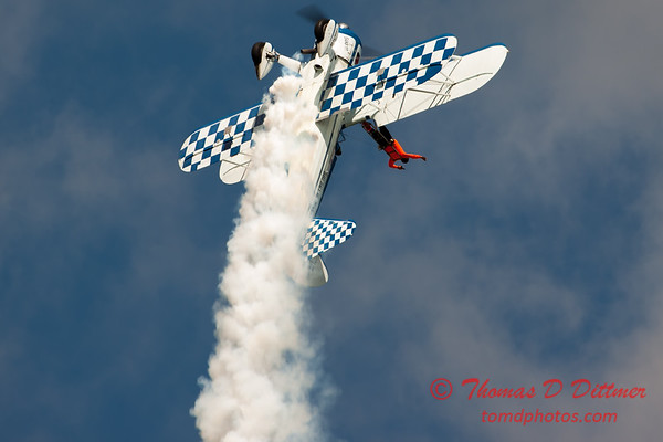981 - Wingwalker Tony Kazian and Dave Dacy perform at Wings over Waukegan 2012