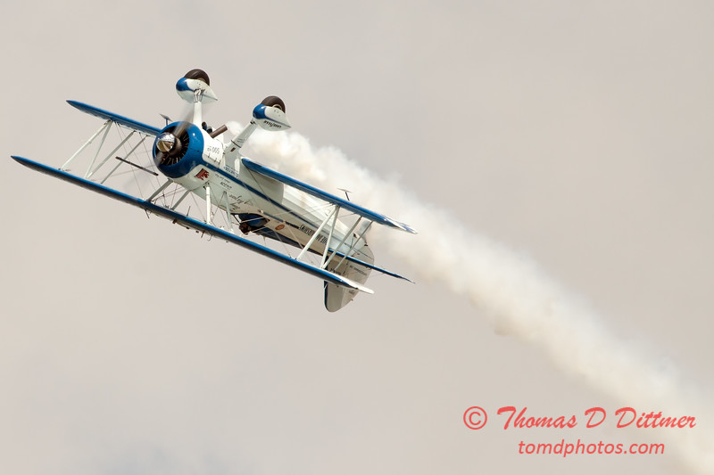 127 - Dave Dacy in his Boeing PT-17 Stearman perform at Wings over Waukegan 2012