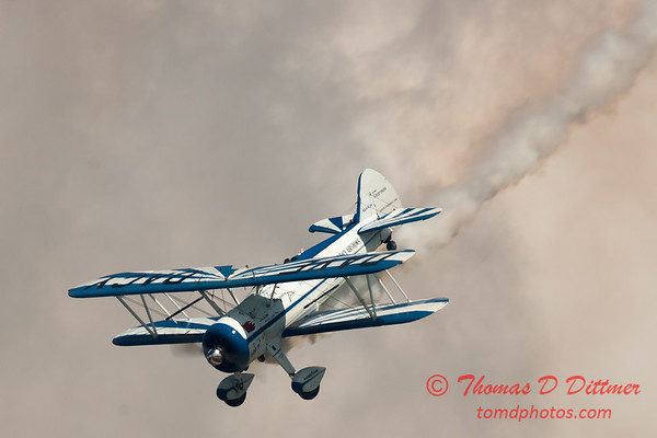 154 - Dave Dacy and his Boeing PT-17 Stearman perform at Wings over Waukegan 2012
