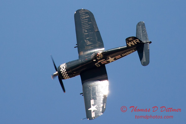1156 - F4U Corsair performing at Wings over Waukegan 2012