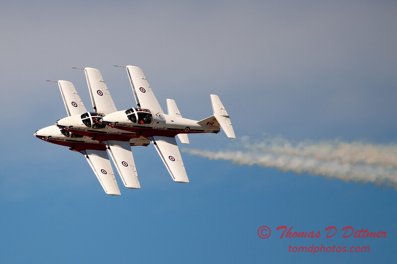 1504 - The RCAF Snowbirds performance at Wings over Waukegan 2012