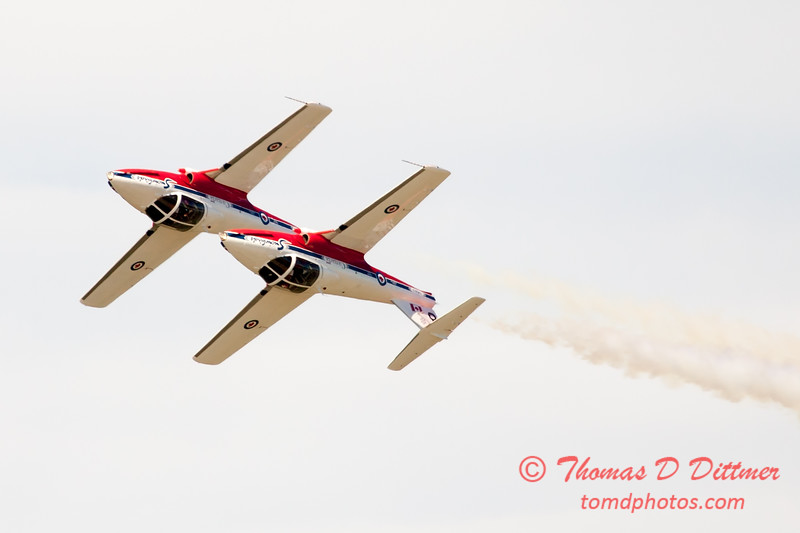 1562 - The RCAF Snowbirds performance at Wings over Waukegan 2012