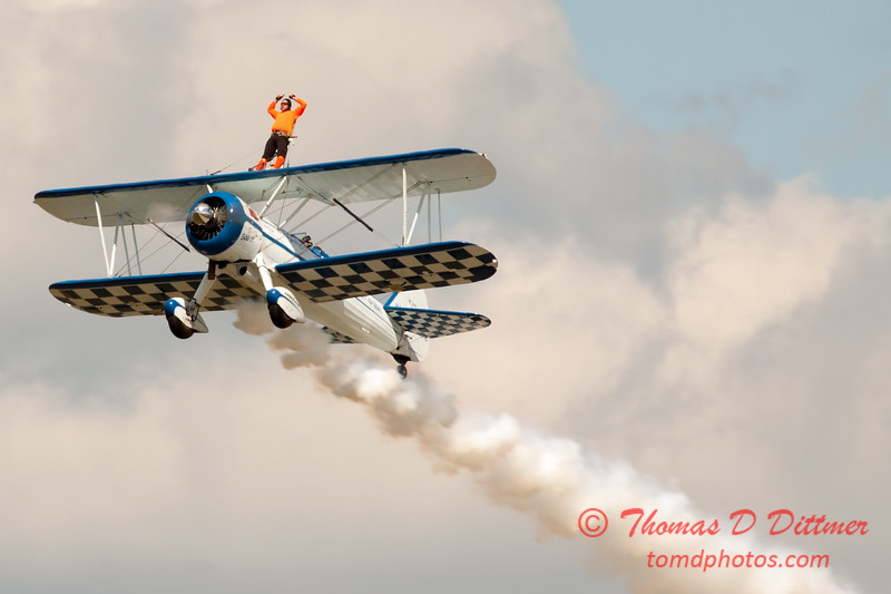 979 - Wingwalker Tony Kazian and Dave Dacy perform at Wings over Waukegan 2012