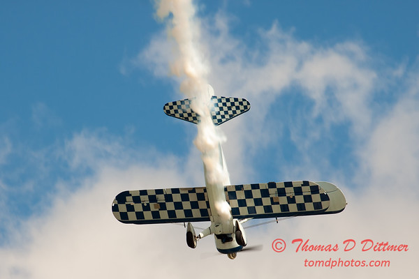 143 - Dave Dacy in his Boeing PT-17 Stearman perform at Wings over Waukegan 2012
