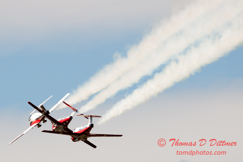 1482 - The RCAF Snowbirds performance at Wings over Waukegan 2012