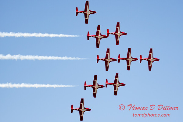 1399 - The RCAF Snowbirds performance at Wings over Waukegan 2012