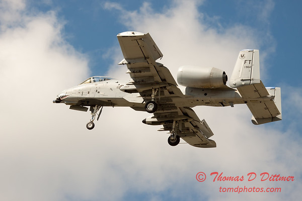 720 - A-10 East performs at Wings over Waukegan 2012