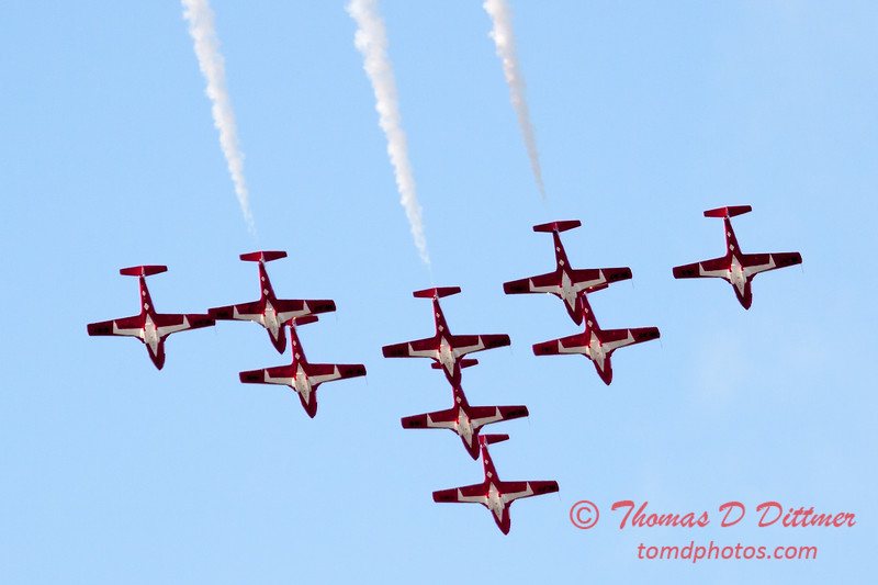 1409 - The RCAF Snowbirds performance at Wings over Waukegan 2012