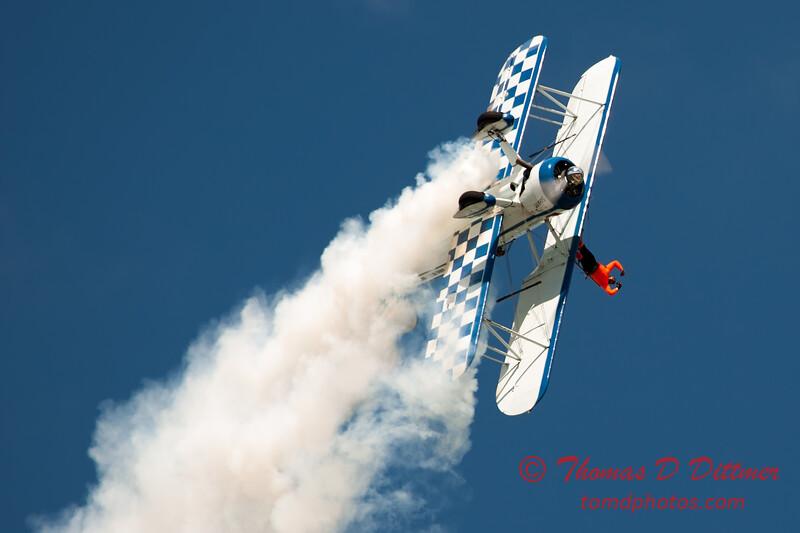 1007 - Wingwalker Tony Kazian and Dave Dacy perform at Wings over Waukegan 2012