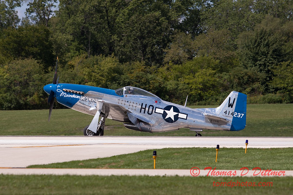 928 - Vlado Lenoch and his P-51 returns to earth at Wings over Waukegan 2012