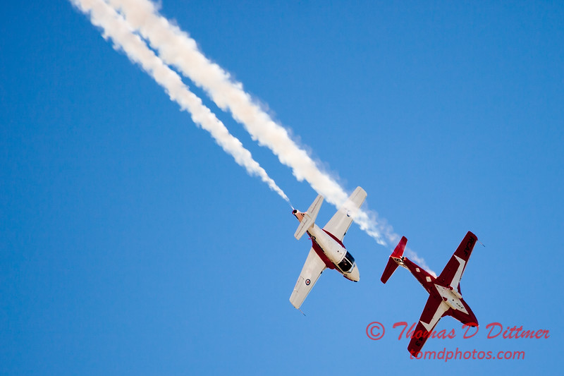 1676 - The RCAF Snowbirds performance at Wings over Waukegan 2012