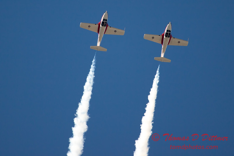 1614 - The RCAF Snowbirds performance at Wings over Waukegan 2012