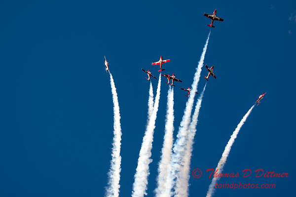 1754 - The RCAF Snowbirds performance at Wings over Waukegan 2012