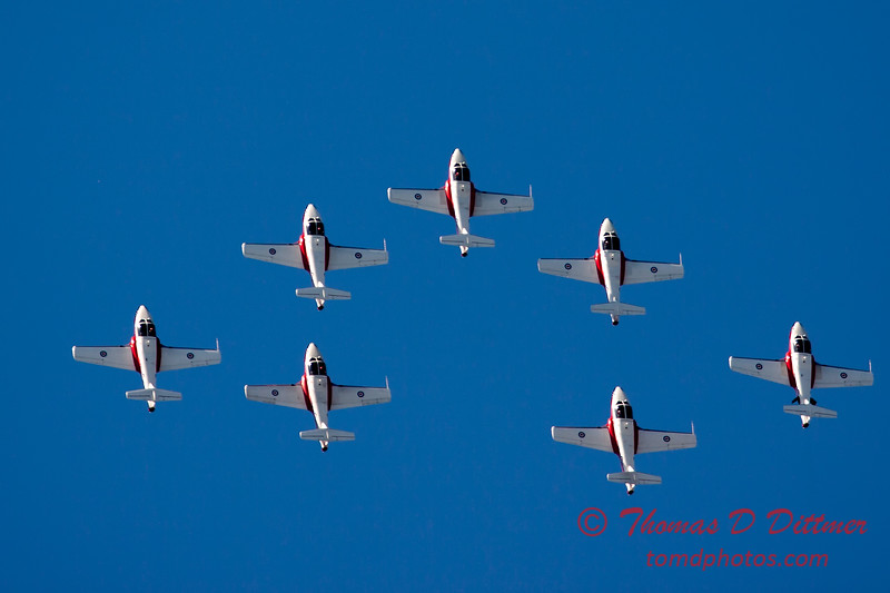 1590 - The RCAF Snowbirds performance at Wings over Waukegan 2012