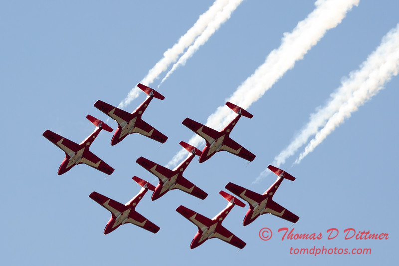 1561 - The RCAF Snowbirds performance at Wings over Waukegan 2012