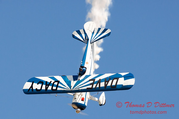 152 - Dave Dacy and his Boeing PT-17 Stearman perform at Wings over Waukegan 2012
