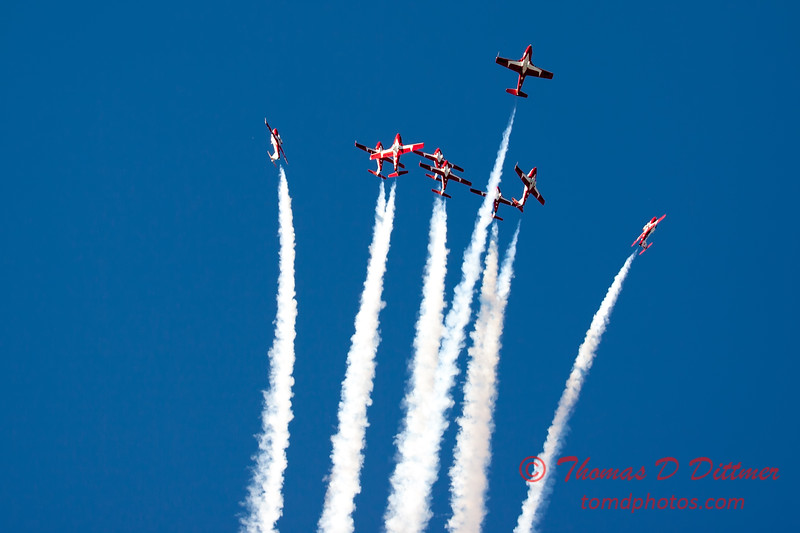 1752 - The RCAF Snowbirds performance at Wings over Waukegan 2012