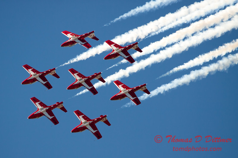1554 - The RCAF Snowbirds performance at Wings over Waukegan 2012
