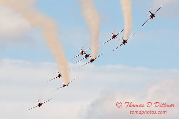 1401 - The RCAF Snowbirds performance at Wings over Waukegan 2012