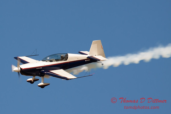 540 - Michael Vaknin in his Extra 300 perform at Wings over Waukegan 2012
